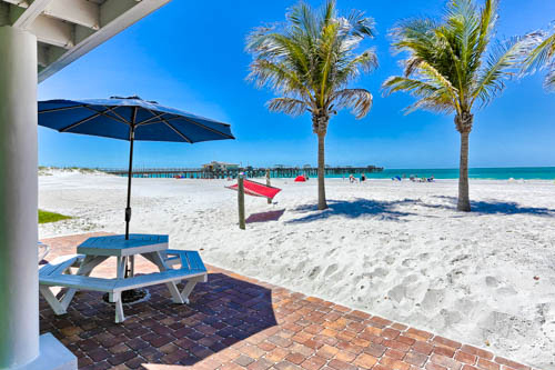 Redington Shores Beachfront Hotels, Hotel in Redington